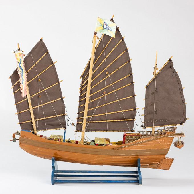 Schiffsmodell einer Piraten-Dschunke